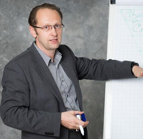 Тренер Назаров